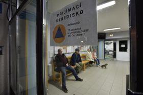 Přijímací středisko pro evakuované, foto: ČTK / Radek Petrášek