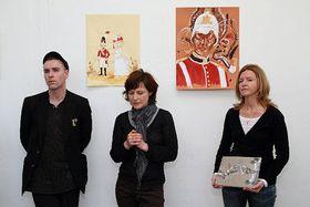 Andrew Gilbert (links) und seine Ausstellung (Foto: http://blog.goethe.de)