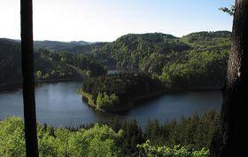 Le barrage de Vir, photo: Jaroslav Kadlec / Creative Commons 3.0 Unported