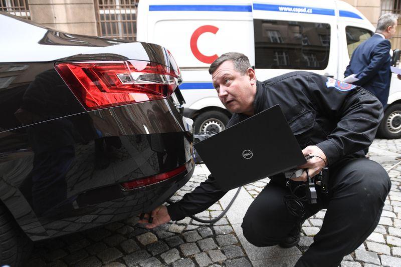 CO2-Messung von Automobilabgasen (Foto: ČTK / Michal Kamaryt)