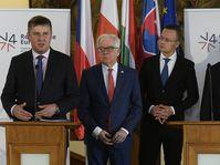 Tomáš Petříček, Jacek Czaputowicz, Péter Szijjártó et Miroslav Lajčák, photo: ČTK/Ondřej Deml