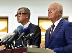 Andrej Babiš y Jaroslav Faltýnek (a la derecha). Foto: ČTK.