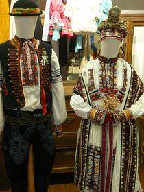 Hochzeitstracht des Brautpaars, Moravské kopanice (Foto: Jitka Mládková)