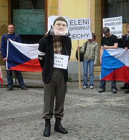 Bernd Posselt symbolicaly expelled by Czech extremists, photo: Jan Richter