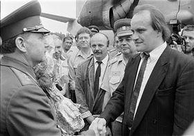 General Eduard Vorobyov and Michael Kocáb, photo: CTK