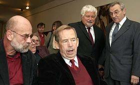 Jan Ruml y Václav Havel (Foto: CTK)