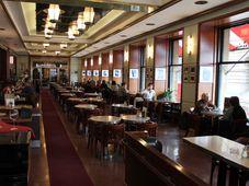 Café Slavia (Foto: Ondřej Tomšů)