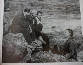Toyen avec André Breton et ses amis surréalistes, photo: Archives de Milena Štráfeldová