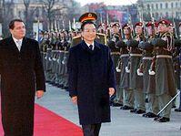 Primer ministro checo, Jiri Paroubek con su homólogo chino, Wen Jiabao (Foto: CTK)