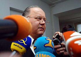 Jan Herout, Anwalt von Petr Zelenka, vor den Journalisten (Foto: ČTK)