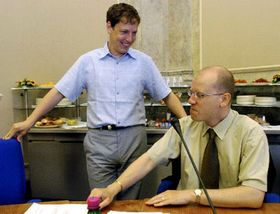 Станислав Гросс (налево) официально начал процесс формирования правительства (Фото: ЧТК)