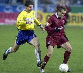 Karel Poborsky from Sparta (right) with Jiri Sabou from Teplice, photo: CTK