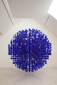 Julio Le Parc, 'Sphère bleue', photo: Galerie Závodný