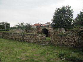 Ruine der Kralitzer Festung, wo die Brüderdruckerei gegründet wurde (Foto: palickap, Wikimedia CC BY 3.0)