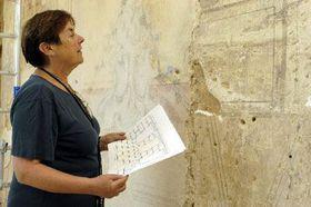 Eliska Fucikova and the fragments of a mural, photo: CTK