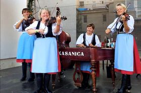 «Цимбальная музыка Касаница», Фото: официальный фейсбук группы
