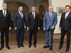 De izquierda: Lubomír Metnar,  Jan Hamáček, Andrej Babiš,  Miloš Zeman y Radek Vondráček, foto: ČTK/Šulová Kateřina