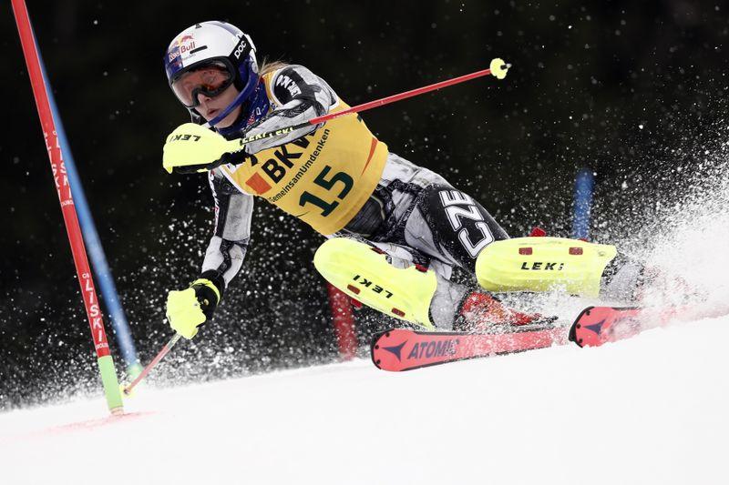 Ester Ledecká, foto: ČTK/AP/Gabriele Facciotti