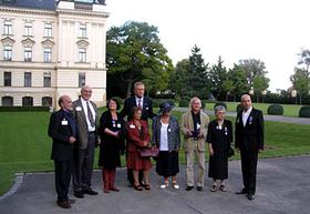 Mirek Topolánek with nine honoured dissidents, photo: Martina Stejskalová