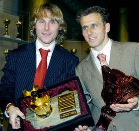 Pavel Nedved (a la izquierda) y Karel Poborský (Foto: CTK)