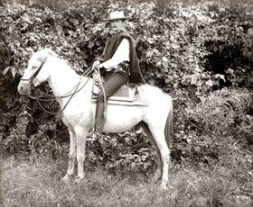 Enrique Stanko Vráz con su caballo Rosinanda, foto: archivo del Museo Náprstek de Praga