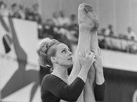 Věra Čáslavská, photo: Ron Kroon / Anefo, CC BY 3.0