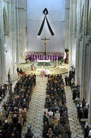 Catedral de Santa Almudena, los funerales estatales de las víctimas de los recientes ataques terroristas en Madrid, foto: CTK