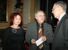 Jitka Jilkova et Pavel Kohout (au milieu), photo: www.theater.cz