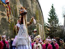 Maskenumzug - maškarní průvod (Foto: ČTK / Roman Vondrouš)