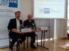 Kommunikationsleiter Christian Rühmkorf und DTIHK-Präsident Jörg Mathew (Foto: Till Janzer)