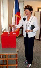 Voleb na českém generálním konzulátu vNew Yorku se zúčastnila Ája Vrzáňová, foto: ČTK
