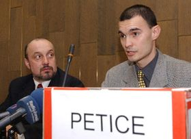 Petr Bratsky and Tomas Nenicka with petition against regulated rents, photo: CTK