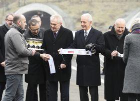Miloš Zeman und Stanislaw Tillich (Mitte). Foto: ČTK