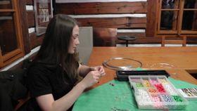 Игрушки из бисера делают вручную, Фото: Ивана Бернатова, Чешское радио
