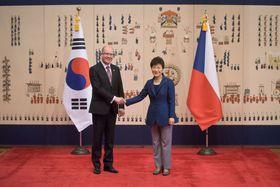 ohuslav Sobotka und Park Geun-hye (Foto: ČTK)
