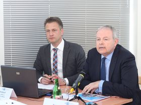 Christian Rühmkorf und Bernard Bauer (Foto: Jan Sommerfeld, Archiv DTIHK)