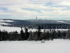 Les monts Métallifères avec le mont Klínovec, photo: Archives de Radio Prague