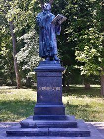 Lutherdenkmal am Fuße des Hainbergs (Foto: Maria Hammerich-Maier)