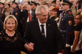 Miloš Zeman y su esposa Ivana, foto: ČTK