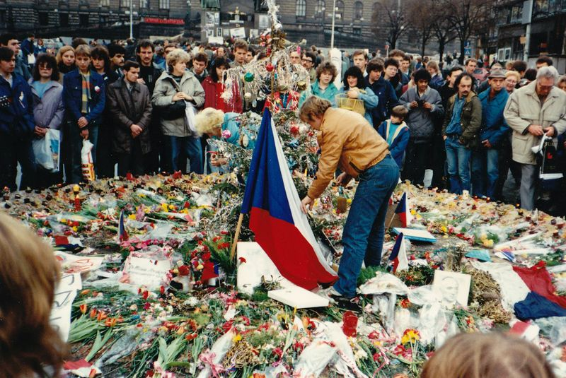 Václav Havel sur la place Venceslas en novembre 1989, photo: MD, CC BY-SA 3.0