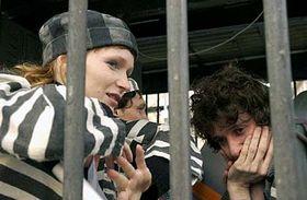 Anna Geislerova en la réplica de un celda cubana en la Plaza Wenceslao (Foto: CTK)