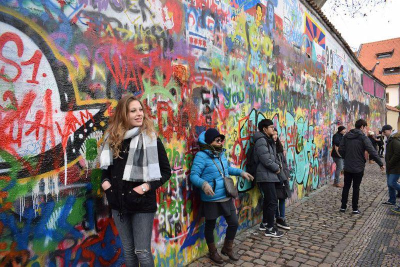 John Lennon wall before the renovation, photo: Jekaterina Staševska