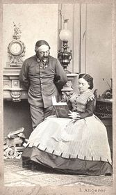 Marie von Ebner-Eschenbach smanželem Mořicem okolu roku 1865