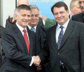 De izquierda:  Primer ministro polaco, Marek Belka y el primer ministro checo, Jirí Paroubek (Foto: CTK)