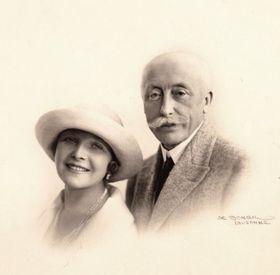 Jarmila et Maurice Pellé, photo: L'exposition Maurice PELLÉ – Zdenka BRAUNER, chemins des destins entre la Bohême et la France / Musée de Roztoky