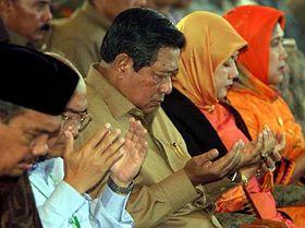 Presidente de Indonesia, Susilo Bambang Yudhoyono (en el centro) Foto: CTK