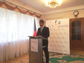 посол Украины в Чехии Евгений Перебийнис, фото: Катерина Айзпурвит