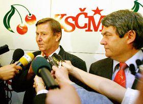 Miroslav Grebenícek y el perdedor Vojtech Filip, foto: CTK
