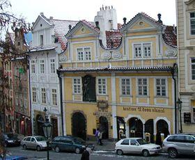 La calle Nerudova
