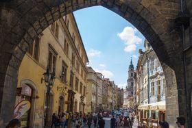 Mostecká St. in Prague, photo: Maksym Kozlenko, Wikimedia Commons, CC BY-SA 4.0